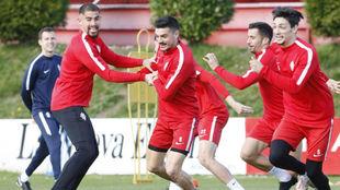 Quintero, Santana, Sergio y Barba, entrenando.