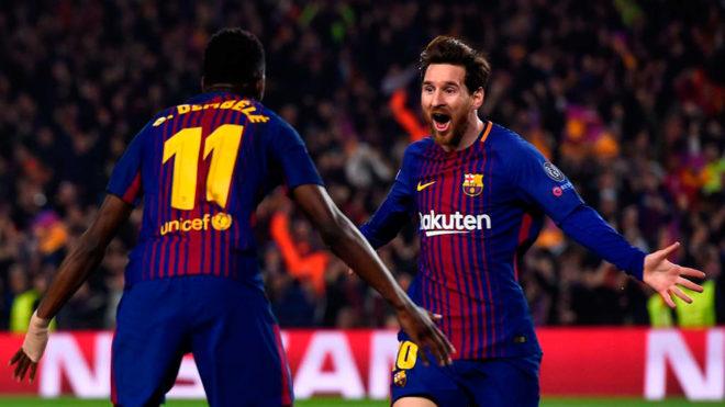 Dembélé y Messi celebran un gol al Chelsea.