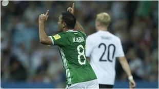 Marco Fabián, celebrando un gol contra Alemania en la Copa...