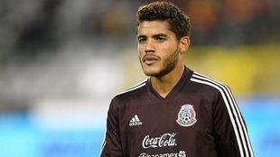 Jonathan dos Santos con la selección.
