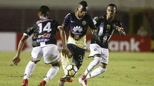 Darwin Quintero conduce el balón el partido ante Tauro