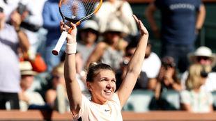Simona Halep celebra la victoria en el encuentro.