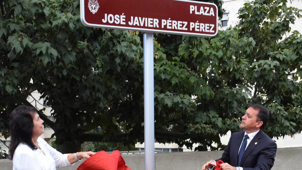 La viuda de Javier Pérez, Josefina Castañeda, descubre junto al...