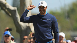 Tiger Woods (42 años) sonríe en Bay Hill.