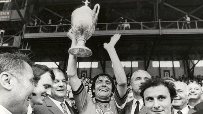 Una de las dos únicas Copas de Francia que ganó en Rennes en su...