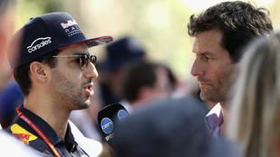 Mark Webber entrevistando a Ricciardo