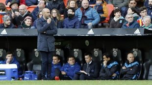 Abelardo, durante el partido que midió a Valencia y Alavés en...