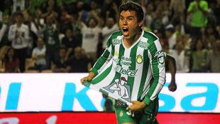 González, celebrando sus primeros goles en Primera División.