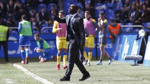 Seedorf, entrenador del Deportivo de la Coruña, durante el encuentro...