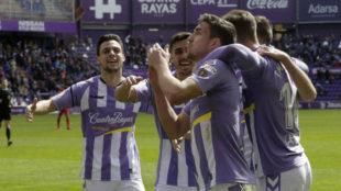 Los jugadores del Valladolid celebrando un gol