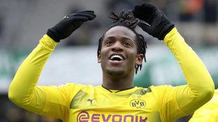 Batshuayi celebra su gol al Hannover.