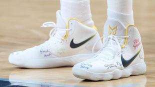 Las zapatillas de Marc Gasol, con los nombres de los niños escritos.