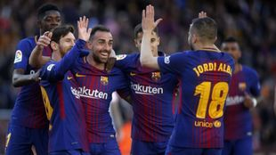 Varios jugadores del Barça celebran un gol