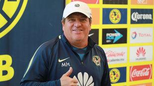 Miguel Herrera cumple 50 años.