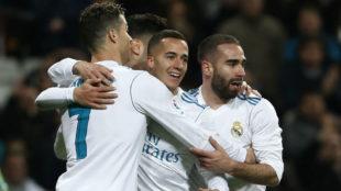 Lucas Vázquez festeja su gol al Girona junto a Cristiano y Carvajal.