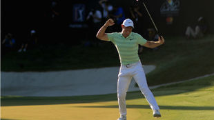 Rory McIlroy celebra la victoria en el torneo.