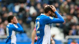 Jugadores del Deportivo lamentando una derrota