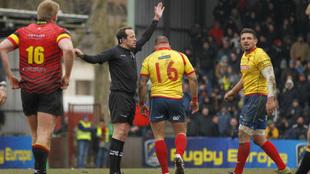 El árbitro Iordachescu en el Bélgica-España