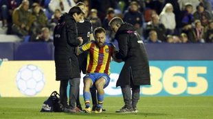 Luna tras su lesión ante el Eibar.
