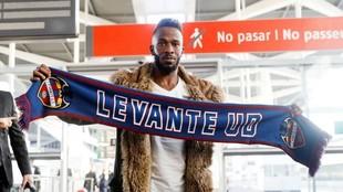 Fahad, a su llegada a Valencia para ser jugador del Levante.