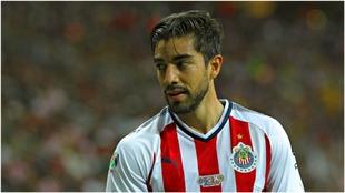 Rodolfo Pizarro, en un partido con Chivas.Imago7