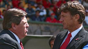 Miguel Herrera y Hernán Cristante sancionados por pleito.