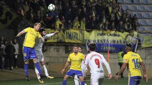 Partido que enfrentaba a la Cultural Leonesa con el Cádiz FC