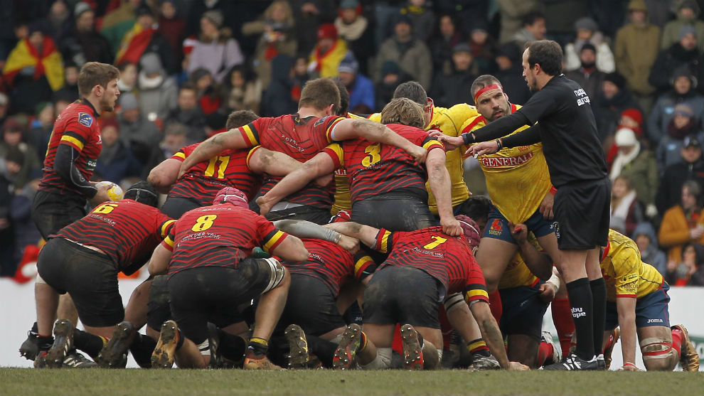 Una lance del partido entre Bélgica y España.