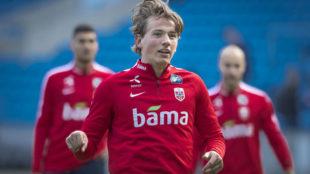 Sander Berge, con Noruega.