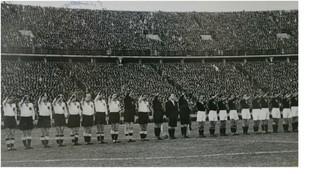 Las selecciones de Alemania y España antes del partido en Berlín de...