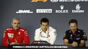 Maurizio Arrivabene(Ferrari), Toto Wolff (Mercedes) y Christian Horner...