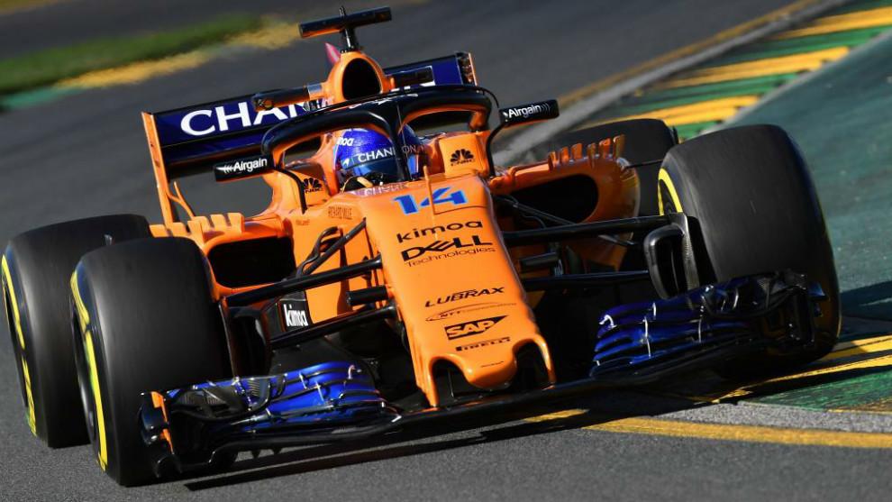 Fernando Alonso, durante la primera sesión de entrenamientos libres.