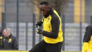 Usain Bolt en el entrenamiento de esta mañana con el Borussia de...