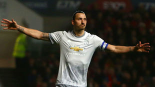 Zlatan Ibrahimovic celebrando un gol con el United