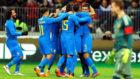 Los jugadores de Brasil, celebrando un gol.
