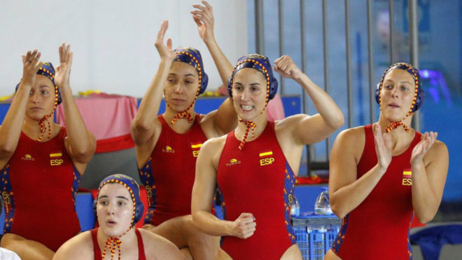 Las jugadoras españolas celebran uno de los goles a Holanda.