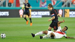 Luka Modric, durante el encuentro ante Perú disputado en Miami.