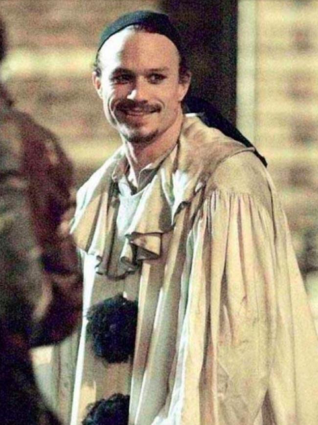 Heath Ledger, 28 ans.  L'acteur jouait son rôle dans le film «L'imaginaire du docteur Parnasse» lorsqu'il est mort d'un empoisonnement aigu dû à la combinaison d'analgésiques.