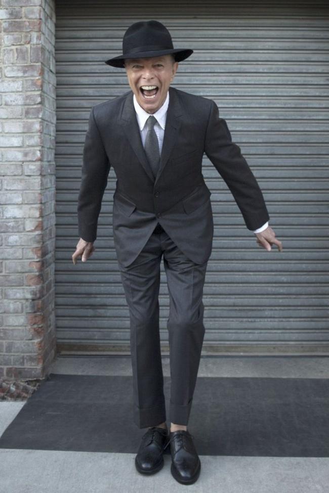 David Bowie, 69 ans.  L'artiste est décédé trois jours après cette photographie après avoir lutté contre un cancer du foie pendant un an et demi.
