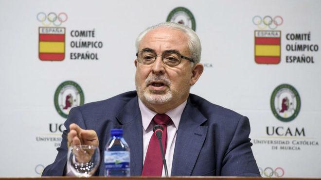 José Luis Mendoza durante la presentación de las becas de UCAM en el...