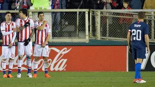 Miguel Almiron #23, Federico Santander #9 y Rodrigo Rojas #8 of...