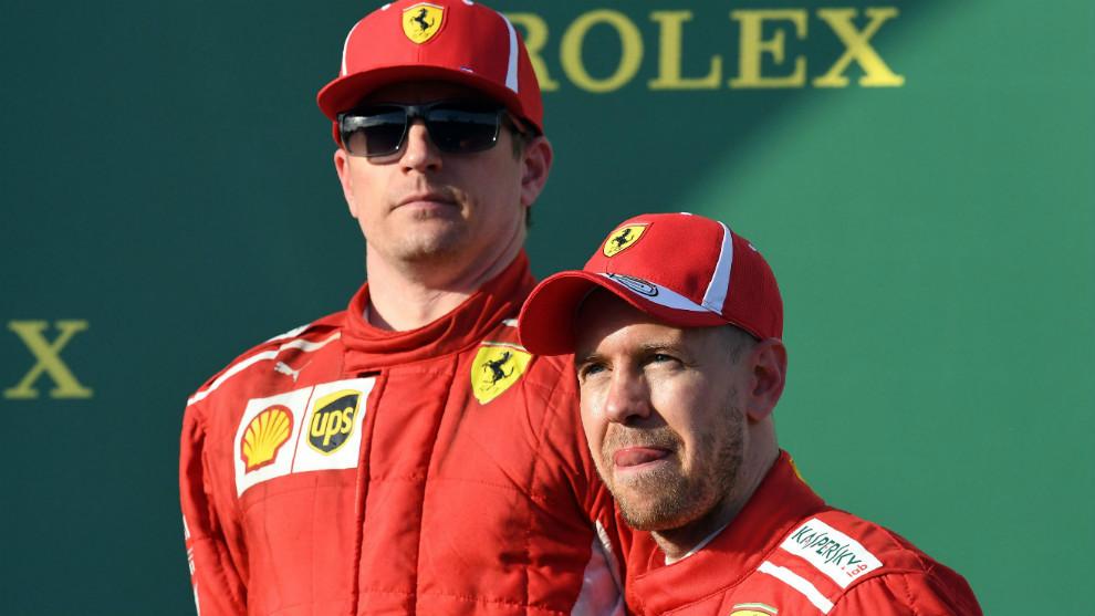Kimi Raikkonen, junto a su compañero Sebastian Vettel