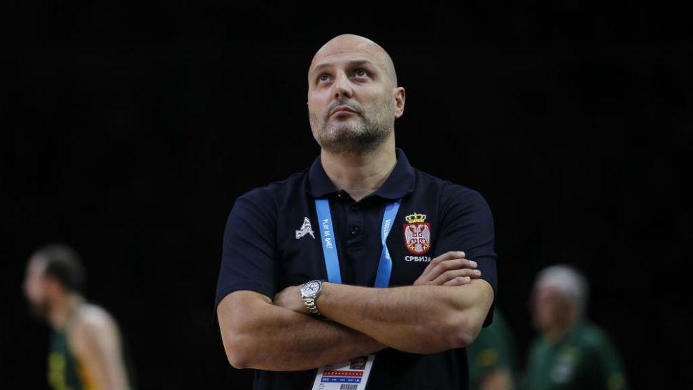 Aleksandar Djordjevic dirigiendo a la selección de Serbia