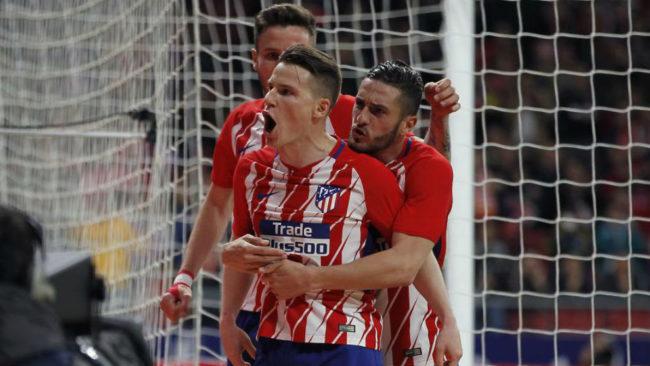 Gameiro celebrando el gol que dio la victoria al Atlético de Madrid.