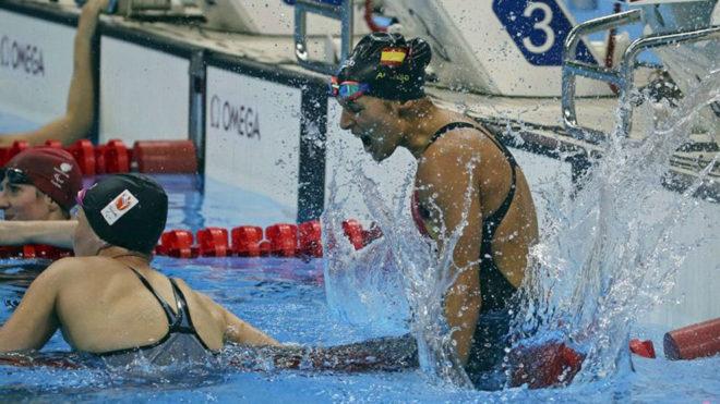 Michelle Alonso celebra su oro en 100 metros braza en Río 2016