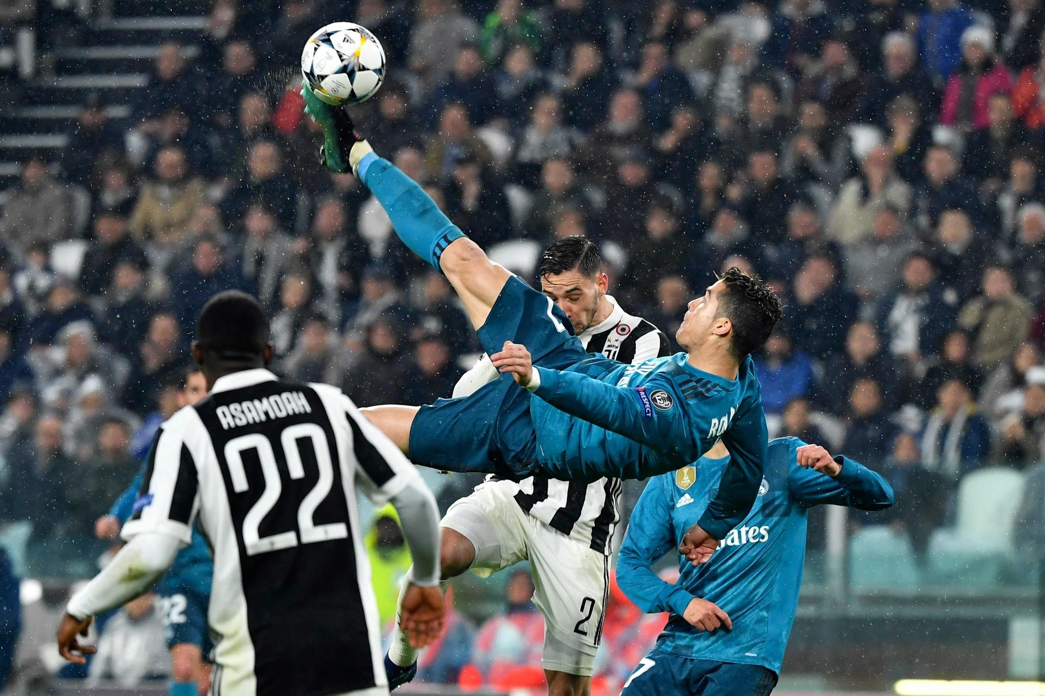 Cristiano Ronaldo remata de chilena para hacer el 0-2