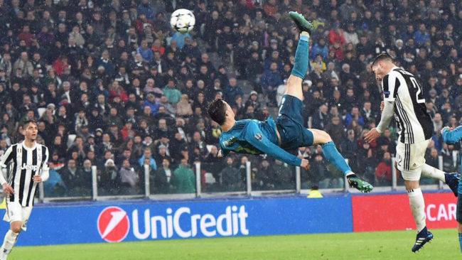 Cristiano Ronaldo, en su remate de chilena.