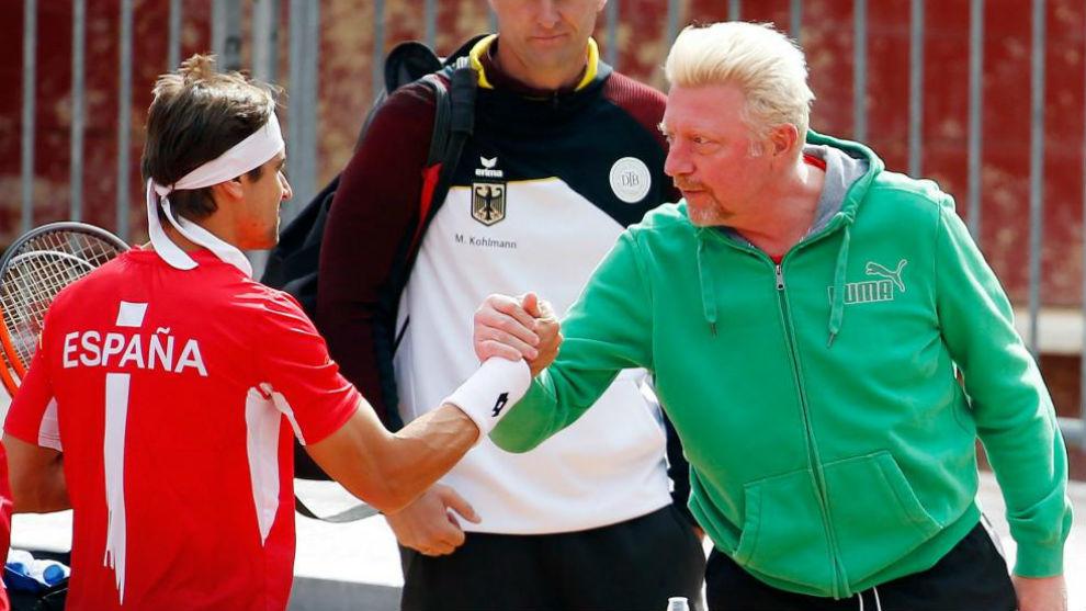 Ferrer saluda a Boris Becker