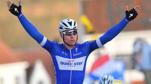 Jacobsen celebrando su triunfo.