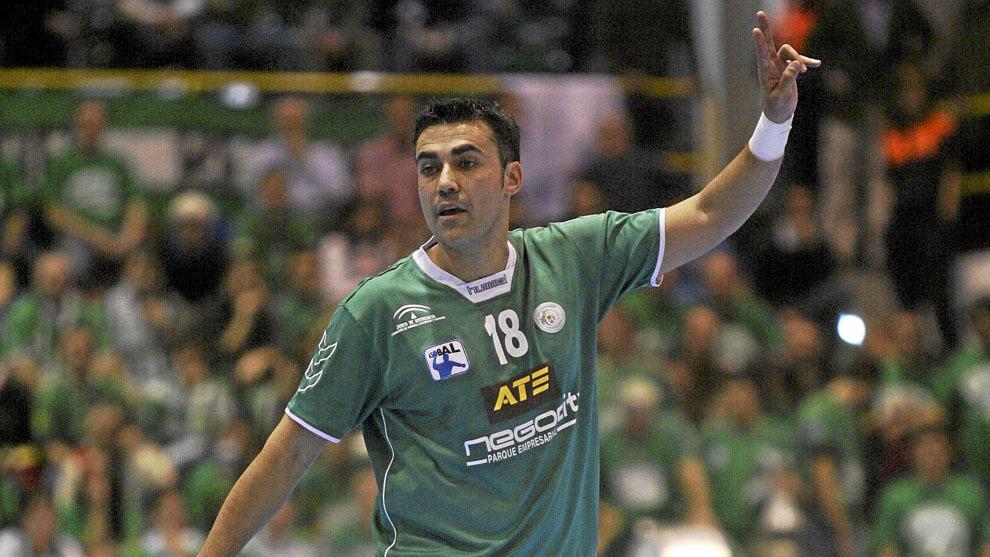 Pérez Canca, conocido como 'Pepelu', durante un partido con el...